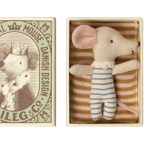 赤ちゃんネズミ/男の子のイメージ画像