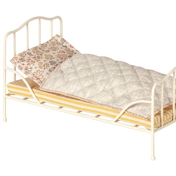 ヴィンテージ・ベッド