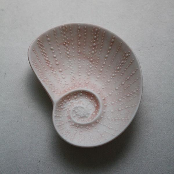 シェルプレート【アオイ】ピンクのイメージ画像