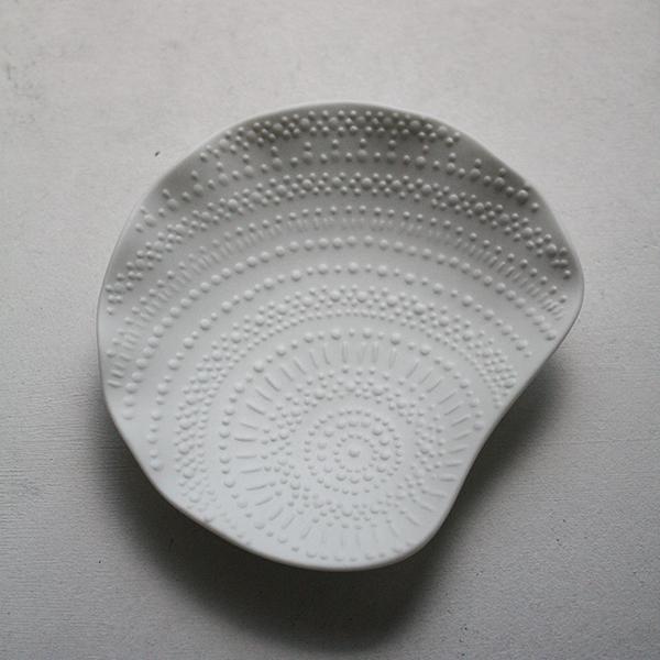 シェルプレート【シャコ】ホワイトのイメージ画像