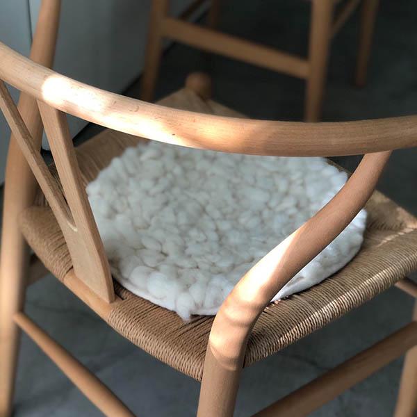 羊毛チェアマット【オフホワイト】 イメージ画像2